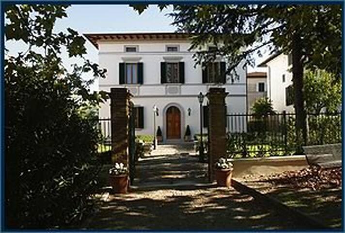 Villa liberty - Gambassi Terme - Villa