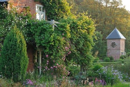 Rhodds Barn - House