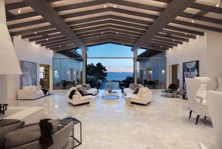 Ocean view Santa Barbara Mansion