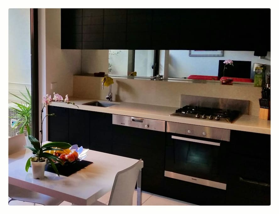 Fully featured kitchen... even a toasties maker!
