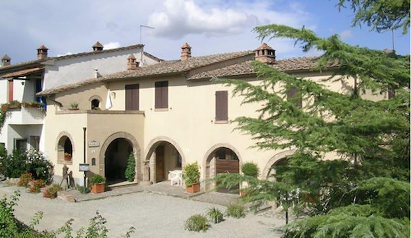 IL COLLE - APPARTAMENTO GIARDINO 1 - Siena - Appartement