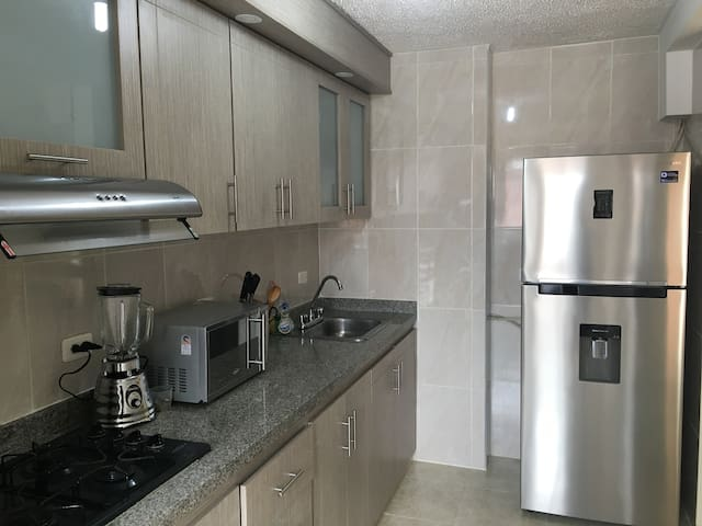 Perfect Location Lots of Amenities - Cali - Apartment