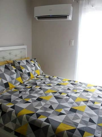 Walk to SM mall &transport 1BR WIFI - Quezon City - Flat