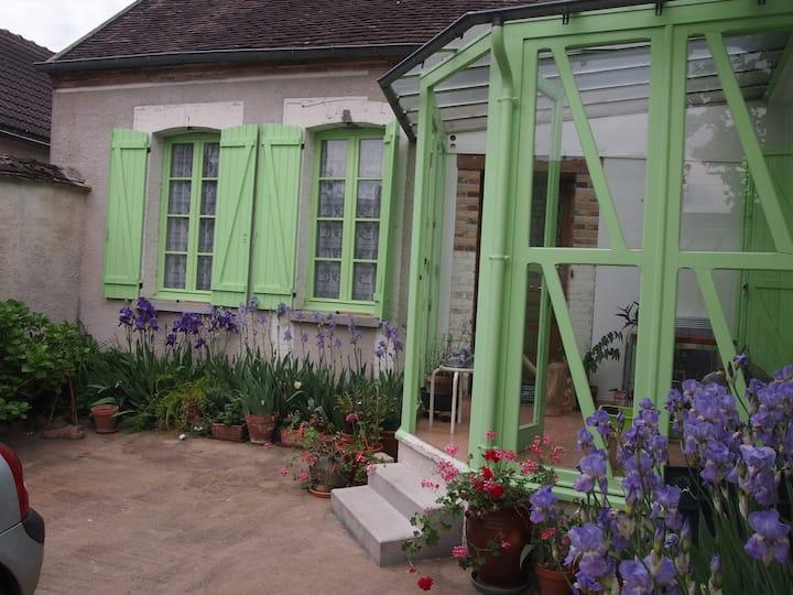 Chambre dans un vilage calme de l' Yonne