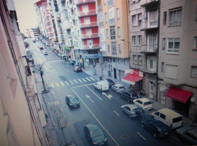 Amplio piso Orense Ourense y GARAJE