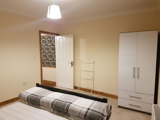 Warm and inviting homestay in Croydon. - Croydon - House