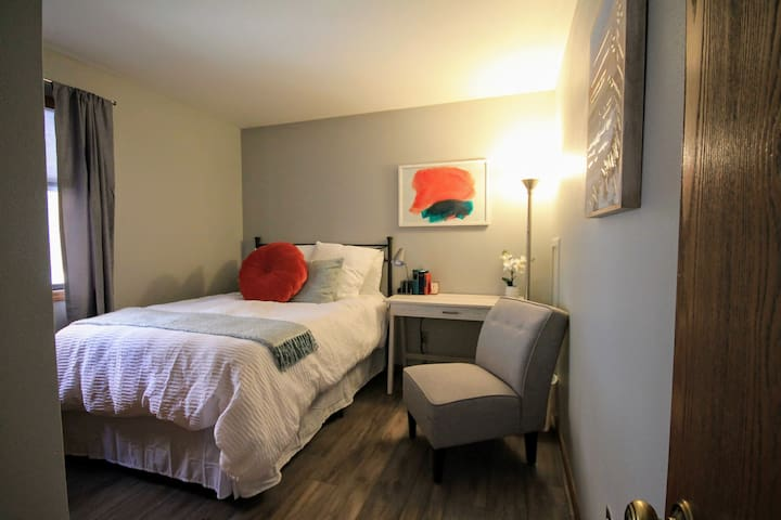 Use the second bedroom as your quiet office. USB outlets provided