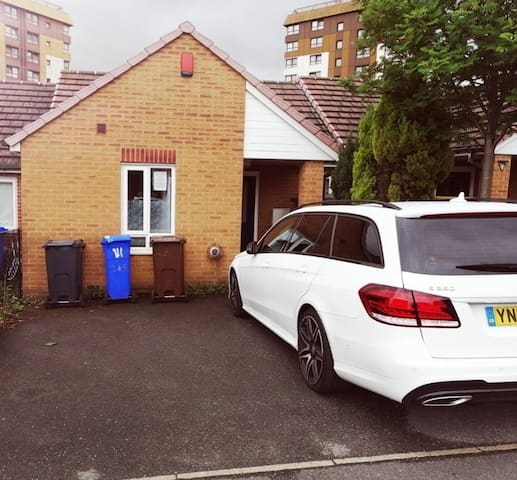 Spacious Double Bed  Modern House Sheffield Uni