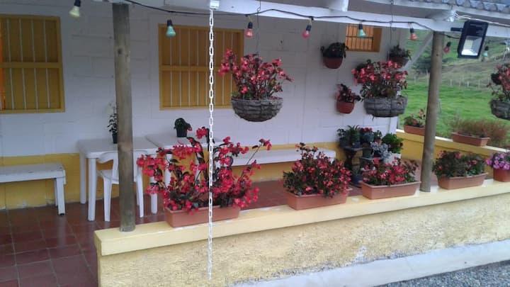 Linda Casa Campesina en San Pedro de los Milagros