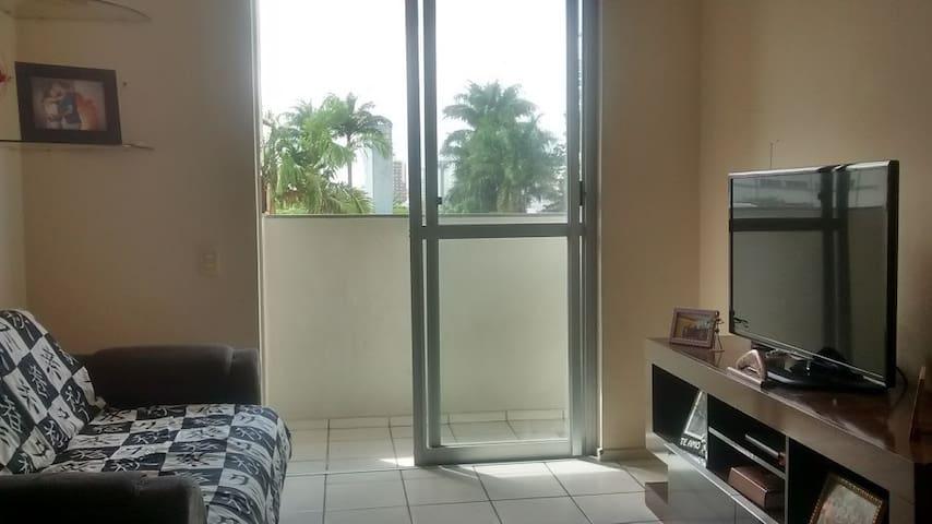 Quarto em S.José próximo a BR e ao Shopping Center - São José - Apartamento