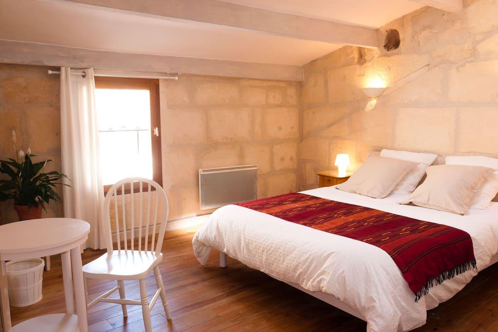 La maison d 39 eloise arles centre case in affitto a arles for Piani casa 5000 piedi quadrati