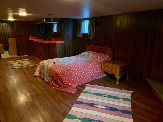 Comfortable basement 2 bedroom apartment