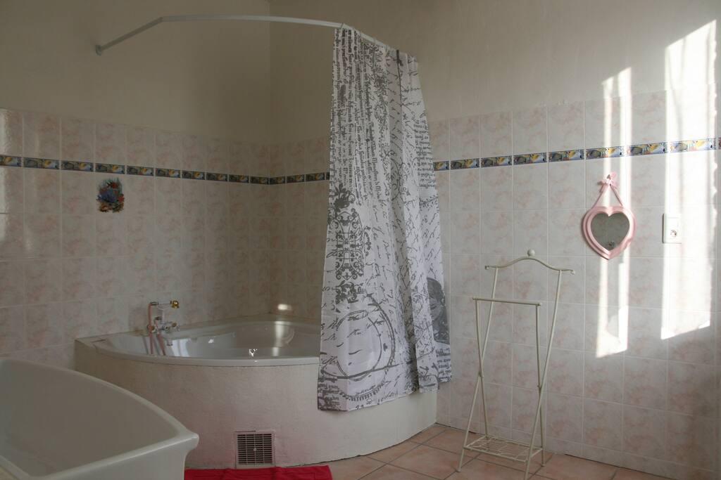 Salle de bain, Chambre eden