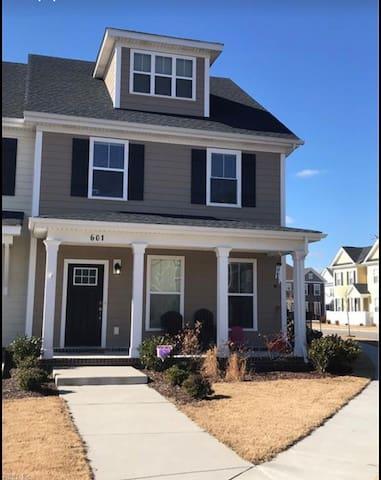 Chesapeake Modern Family Home