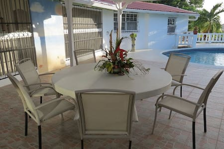 Private Villa with Car Rental - Holetown - Villa