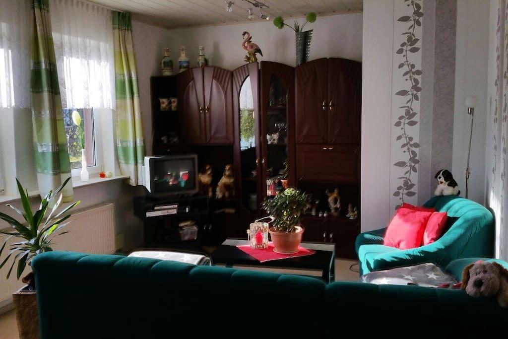 Wohnbereich mit Ausziehcouch für 2 Personen