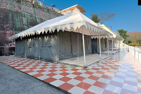 LivingStone | Mussoorie | Luxury tents for group