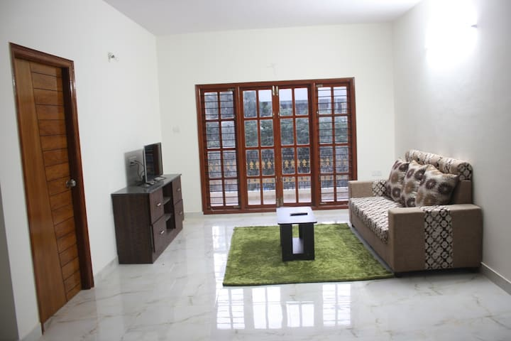 A Cozy 2BHK Fully Furnished Apartment Whitefield - Bangalore - Apartamento
