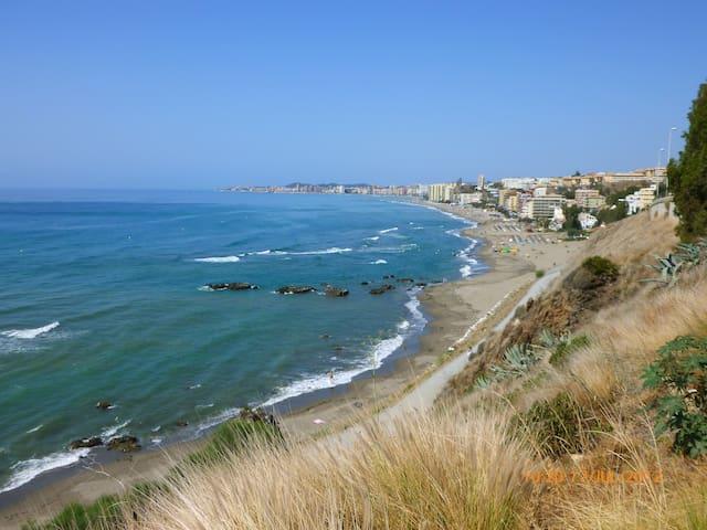 Playa Carvajal 5 km