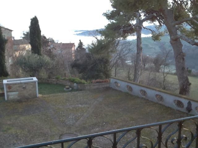 In collina, vicino al mare - Colbordolo - Appartement