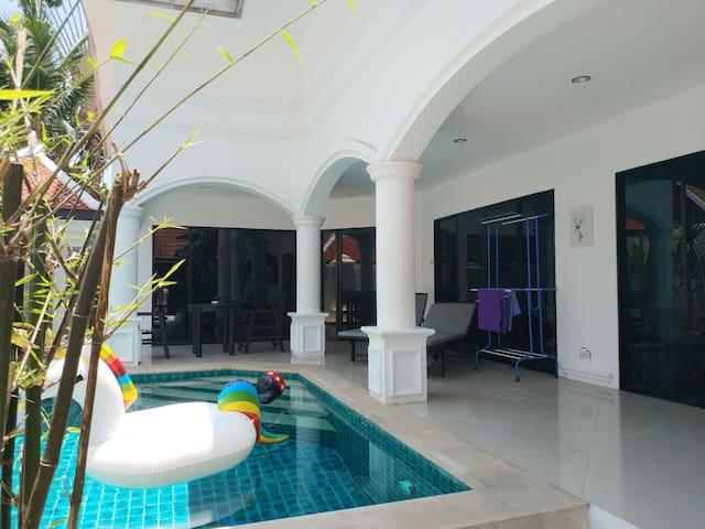芭提雅najomtien隐居繁华的私人别墅,三卧三卫带泳池,绝对的私密空间