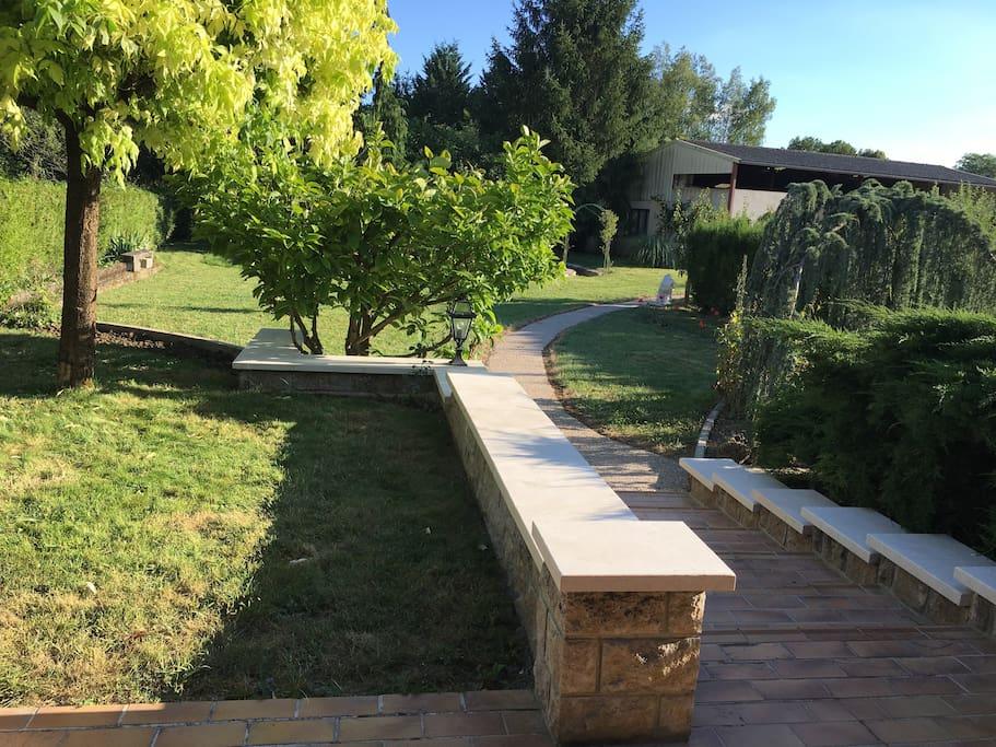 Le jardin clos et paysagé