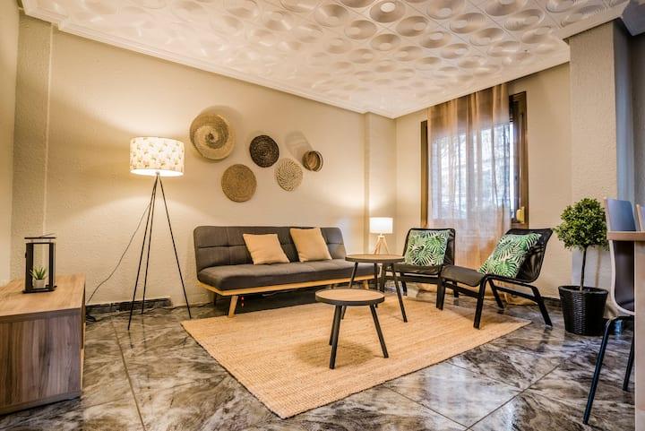 Amplio y luminoso apartamento bien comunicado