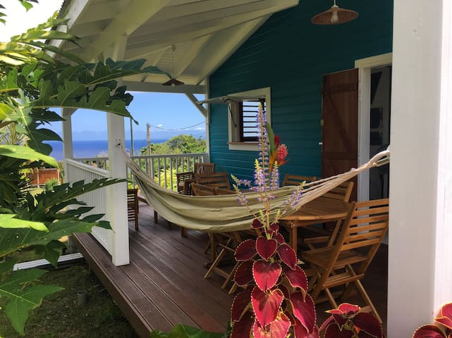 BE TROPICAL lodge - Capesterre-Belle-Eau - Bungalo