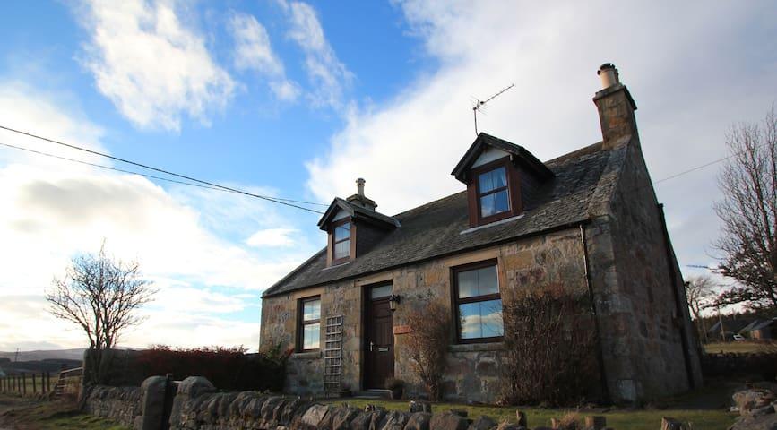 Grouse Cottage, Knockando, Aberlour, Moray - Knockando - House