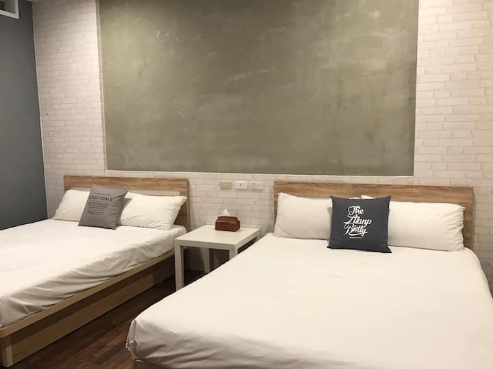 四人雙床套房,獨立衛浴, 高級電梯公寓, 捷運美麗島站3分鐘,六合夜市