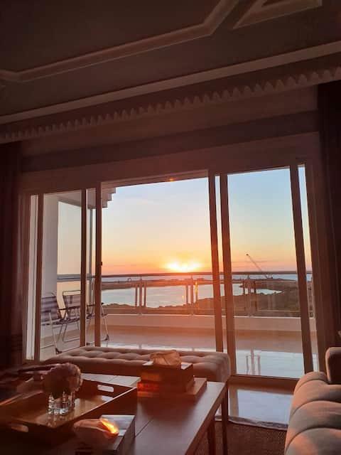 Grand Appartement en front de mer, Grande terrasse