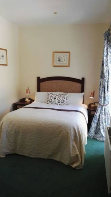 Teal - The Snug -  Double Bed with Sea and Garden View Terrace. Ensuite with separate hallway.