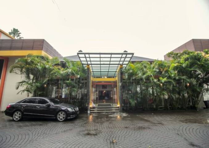 Grha Ciumbuleuit Guest House  Bandung, Jawa Barat