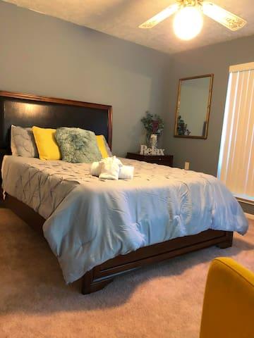 Spacious bedroom!