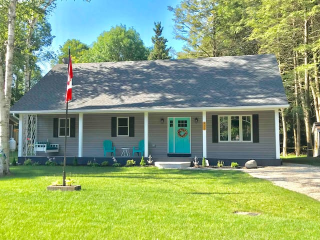 The Perfect Year-Round Cottage for Families!