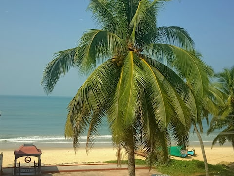 Luxury Sea Facing Apt (2 BHK) for Beach Holidays