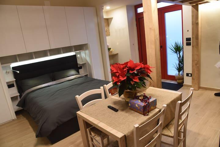 TRE ARCHI HOUSE, confort e cromoterapia in Toscana