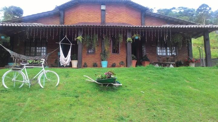 Casa de campo com espaço  a 8km de São Lourenço