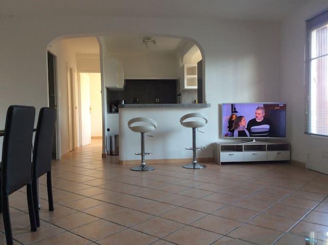 CLOS DES PLAGES T2/3 70m2 MER 200m - La Ciotat - Apartament