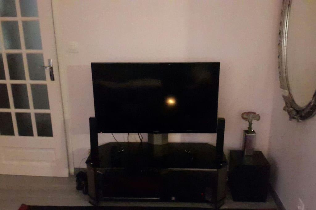 TV HD + Home cinema