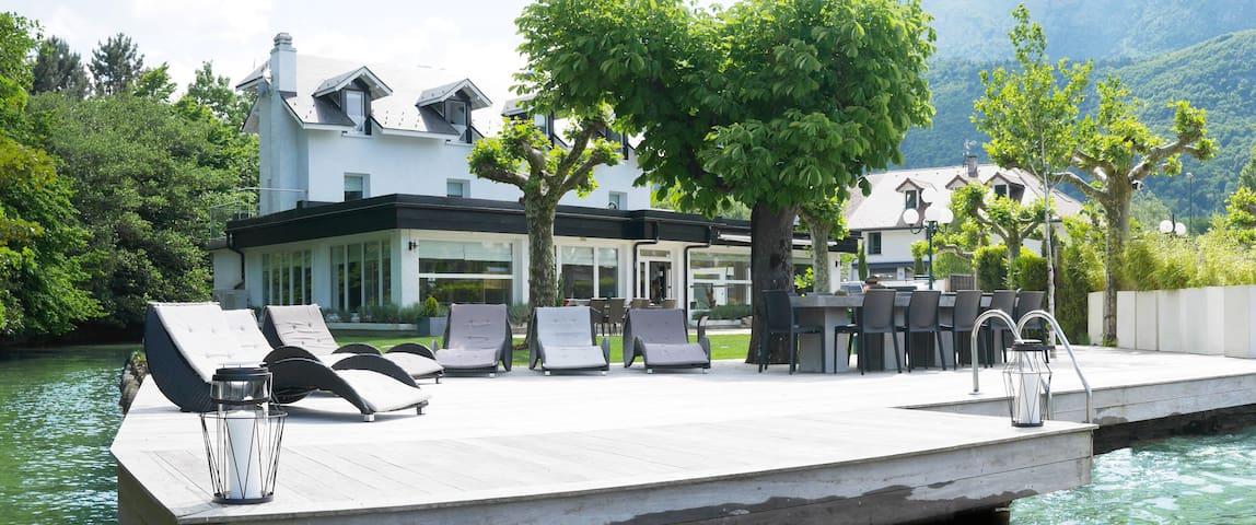 Exclusive Waterfront Villa 15p, Lake Annecy