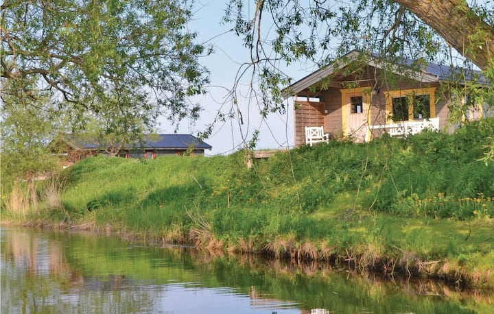 Holiday cottage with 2 bedrooms on 40m² in Stånga