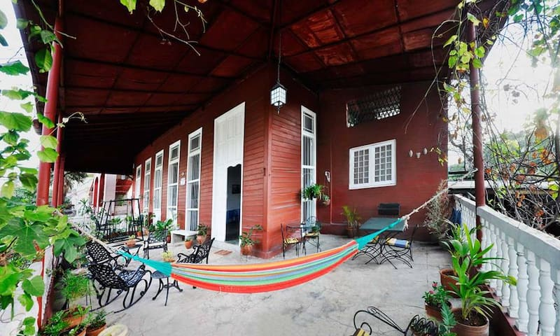 "Iconic colonial ""WOODEN HOUSE"" Vedado (3 rooms)"