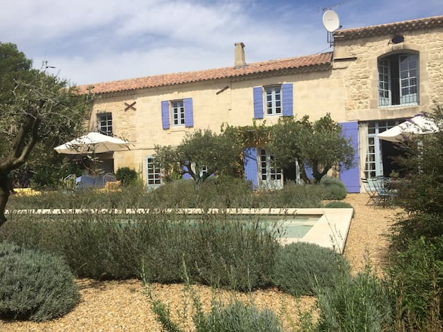 A Year in Provence;Farmhouse & Pool - Maussane-les-Alpilles - Huis