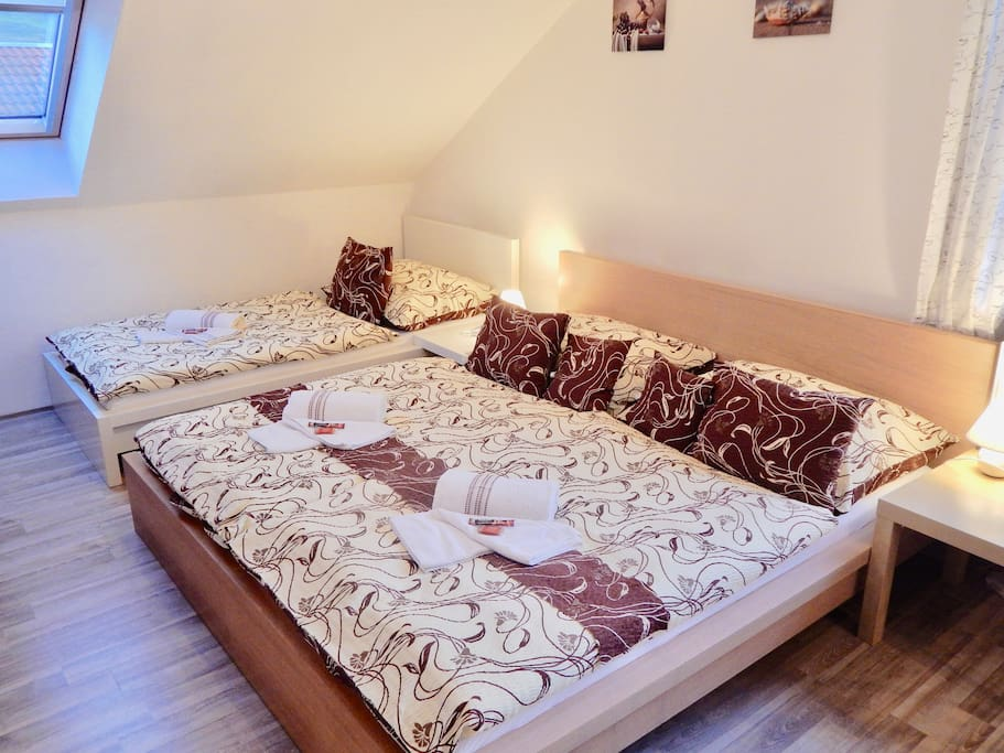 King bed and 1 single bed