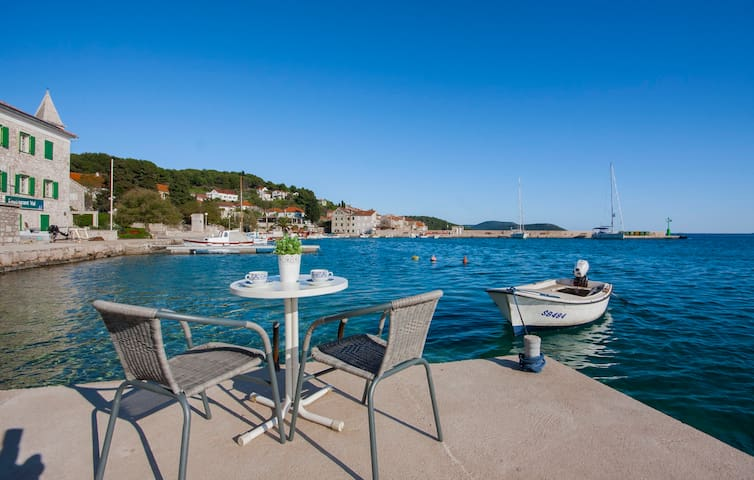 Beautiful studio on the sea - Prvić Luka - Appartement