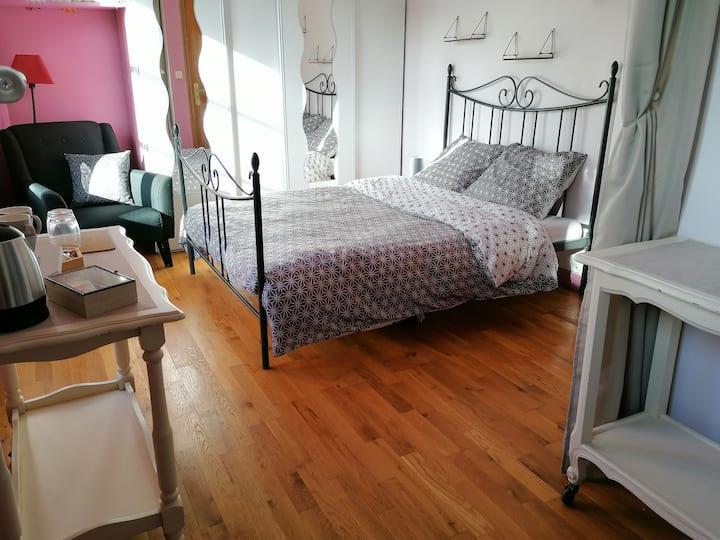 Chambre confortable dans une longère