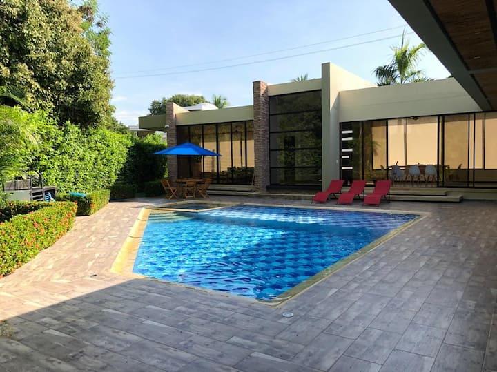 Exclusiva Casa Condominio Lagos del Peñón