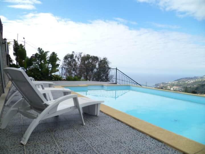 Luxury Villa, Heated Pool,  Sea and Mountain views