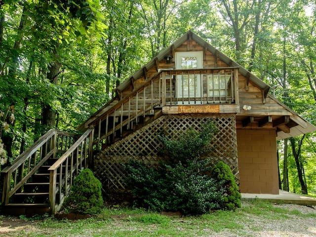 Hunters-Rest-Cabin